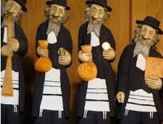 Zydowskie kukly z sakiewkami