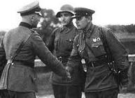 german-nazi-soviet-officer-shake-hands