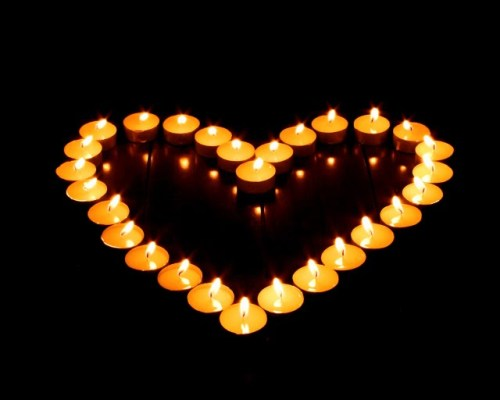 ffccc-lit-candles-in-heart-shape-romantic-candle-light-photos-92789