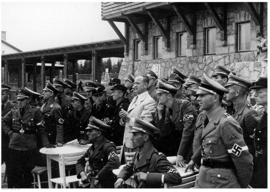 Funkcjonariusze NSDAP podczas szkolenia na Gubałówce.
